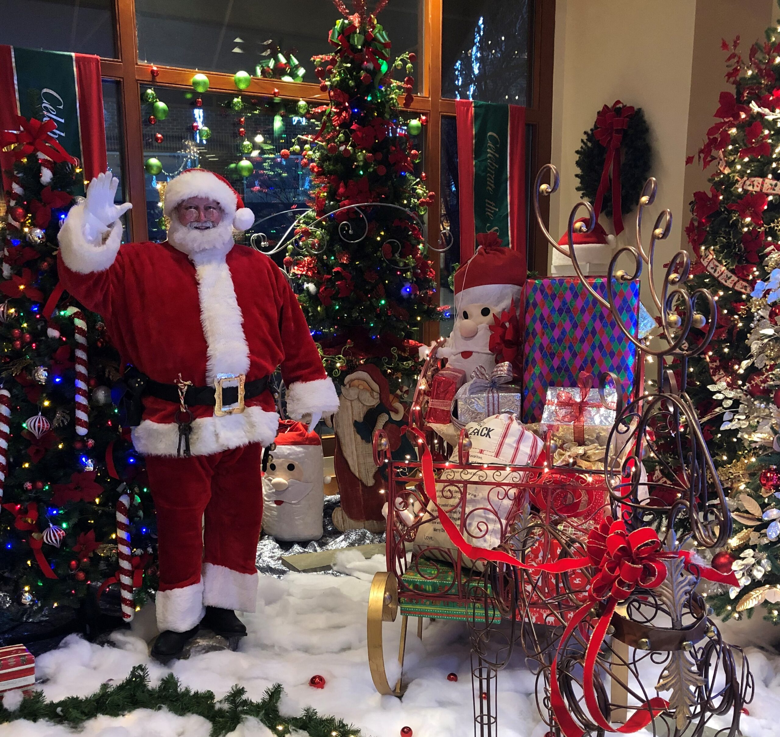 Santa Earl and sleigh